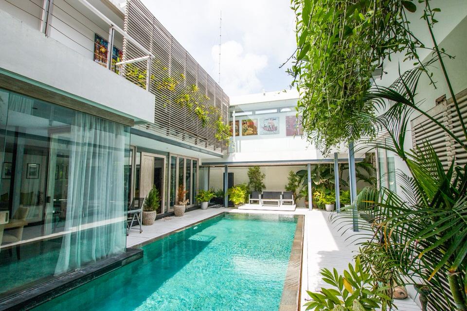 Villa AvroraAlex Villa