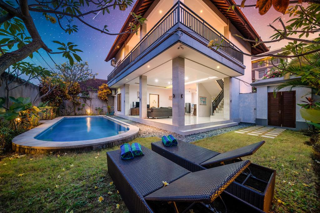 Villa DevinaAlex Villa